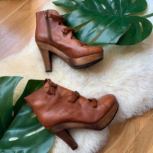 CHLOE💕Cognac Leather Buckle Strappy Bootie 9